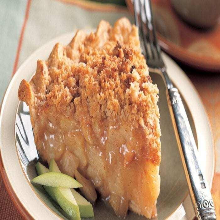 Cinnamon Crumble Apple Pie