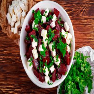 Rote Bete - Salat mit Schafskäse