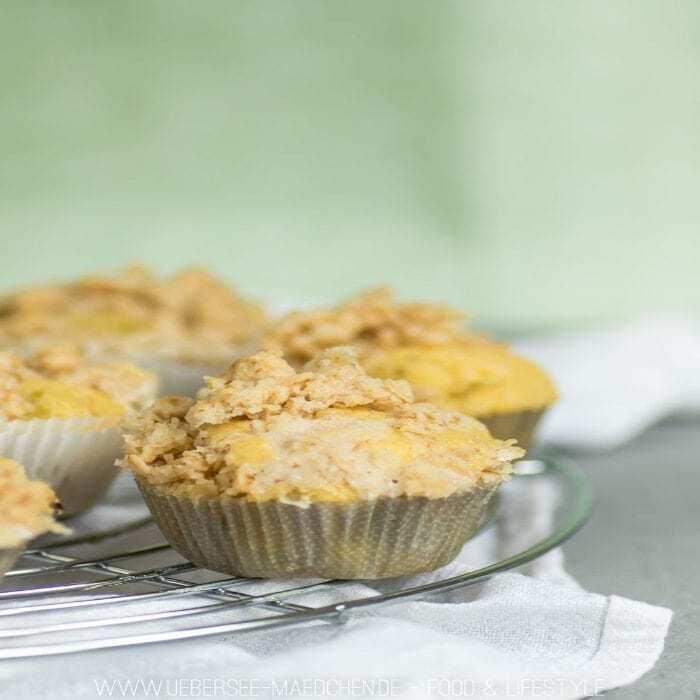 Muffins mit Haferflocken-Streuseln