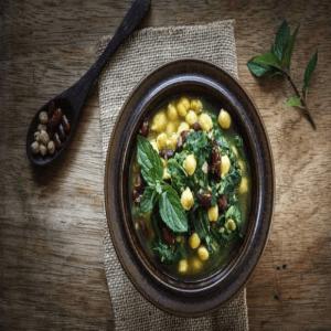 Arabische Kichererbsen Spinat Suppe
