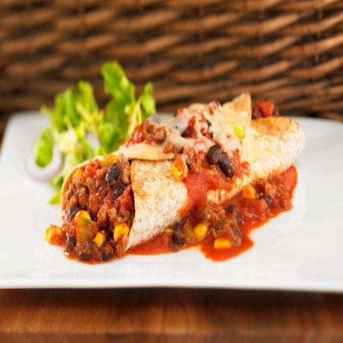 Überbackene Enchiladas mit Tzatziki