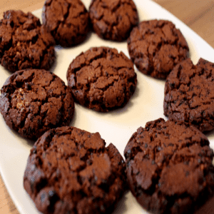Schoko Cookies mit Erdnussbutter - Füllung