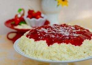 Spaghetti-Eis-Kuchen