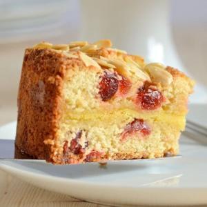 Kuchen mit Marzipan