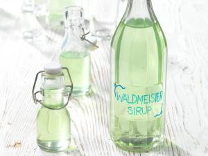 Waldmeistersirup Rezept