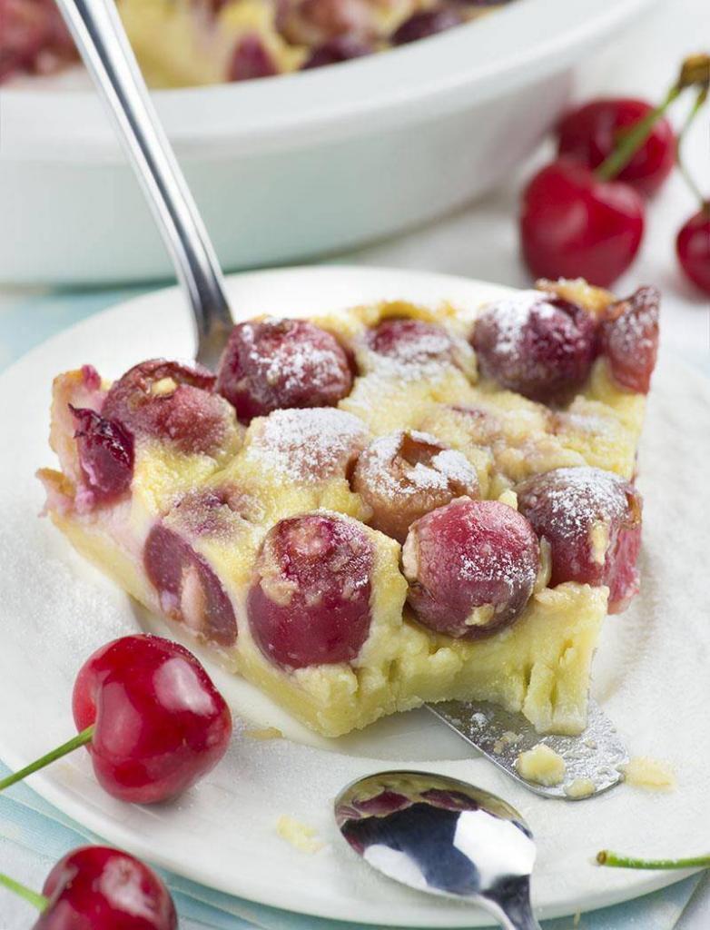 Kuchen mit Frischen Kirschen