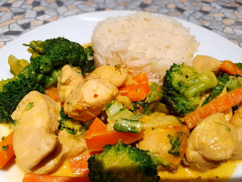 Hähnchen Kokosnuss Curry